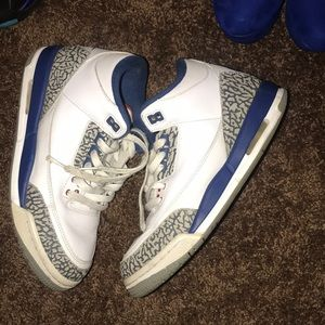 Jordan Shoes - Worn 6 times , size 7 in boys